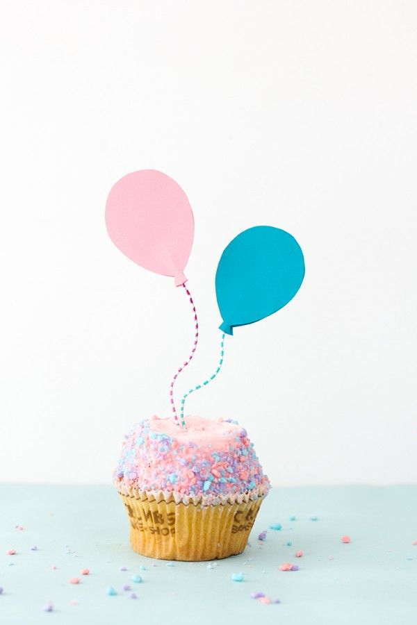 DIY Balloon Cupcake Toppers w. paper clips