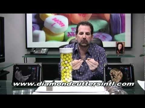 What is platinum? What is white gold? Is platinum or white gold better for jewelry? Fred Cuellar discusses both. For more information visit http://www.diamon...