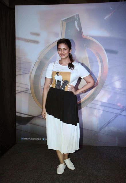 Yami Gautam, Shraddha Kapoor, Sonakshi Sinha, Huma Qureshi At 'Avengers: Age of Ultron' Special Screening At PVR Cinema, Mumbai - Kapoor Cleavage