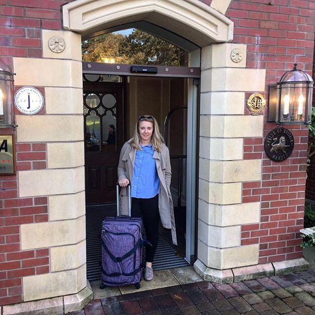 Not ready to leave @rockliffehall over the weekend but at least my trip has been super easy moving about with my @kiplingglobal suitcases! So easy to push around, pack and separate clothes #suitcase #kiplingbag #kipling #kiplingsuitcases #england #weekend www.sophiessuitcase.com