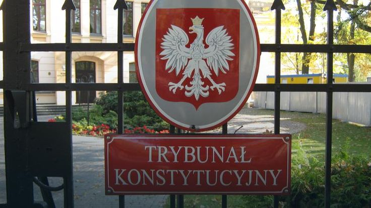 Komitet wezwał polskie władze do natychmiastowego opublikowania wszystkich orzeczeń Trybunału, a także wycofania się z działań, które zaburzają jego efektywne funkcjonowanie. W piśmie zaapelowano także o zapewnienie przejrzystości i bezstronności wyboru członków TK.Poruszono również kwestię dostępu do legalnej aborcji. Napisano, że w Polsce są regiony, w których nie ma możliwości dokonania......
