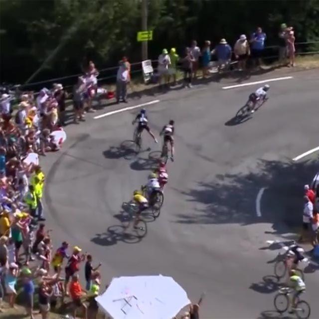 Geraint Thomas's spectacular crash into a telegraph pole! Warren Barguil crashes Geraint Thomas off the road on the descent to Gap. VIDEO: https://www.facebook.com/BikeRoar/posts/867001993348638?utm_content=buffer66693&utm_medium=social&utm_source=pinterest.com&utm_campaign=buffer #cycling #tdf2015 #crash #closecall #GeraintThomas #TeamSky