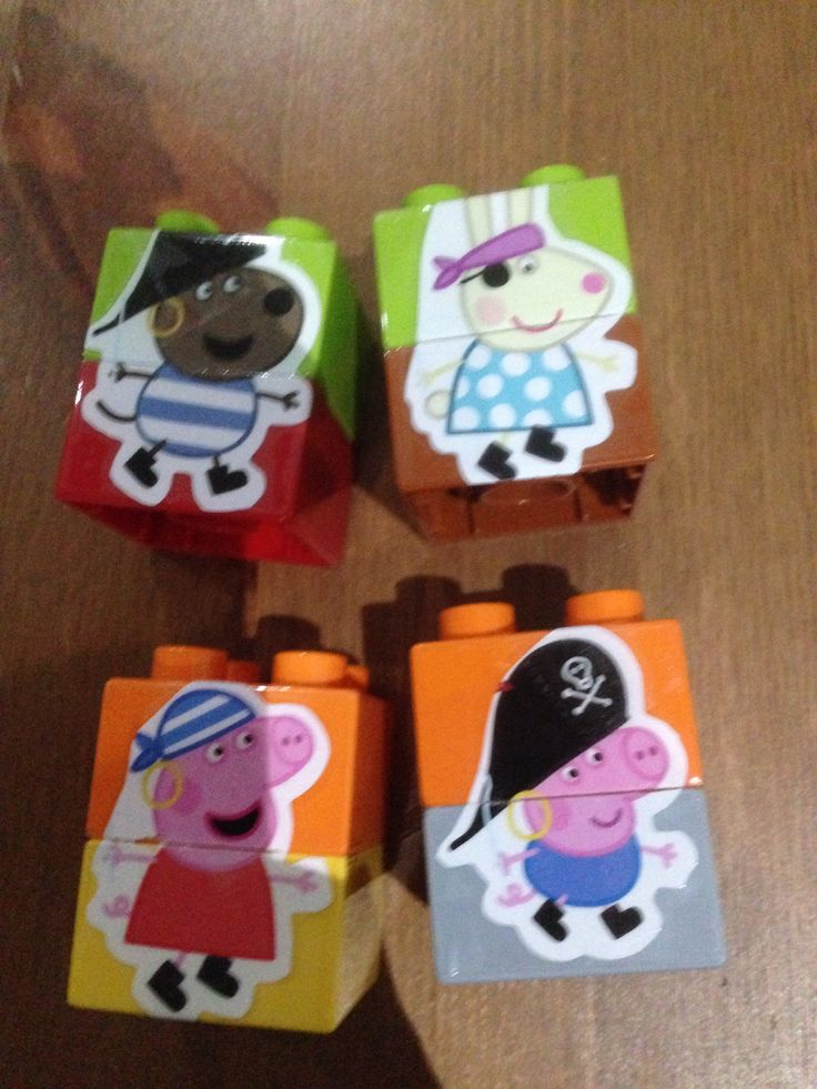 Busy bags. Duplo Peppa Pig sticker match up for toddler.