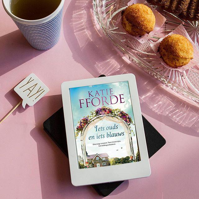 Iets ouds en iets blauws: een heerlijke feel-good roman om de donkere dagen te ontvluchten! 😊⠀  ⠀