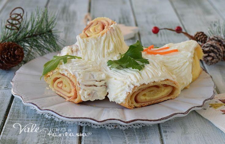 TRONCHETTO DI SFOGLIA ricetta di Natale facile e veloce, pochi ingredienti per portare a tavola durante le feste una ricetta bella e buona