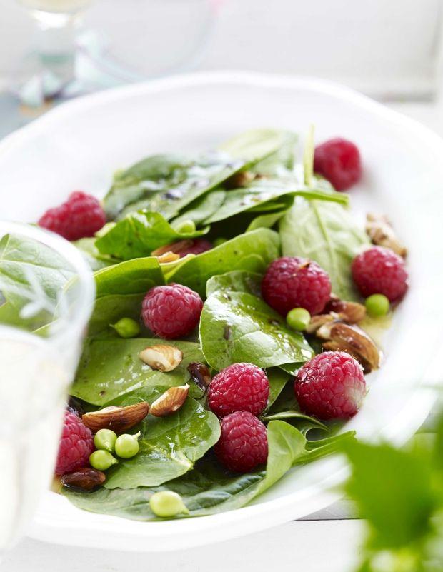 Salat med hindbær og spinat