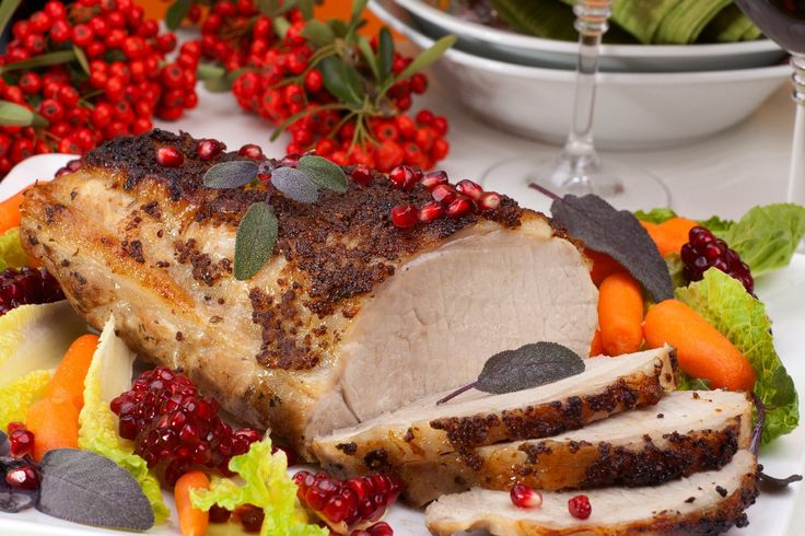 Save some calories this year and give your dinner guests the gift of better fitting pants with these skinny Christmas dinner dish ideas.   1. Roast Pork wi