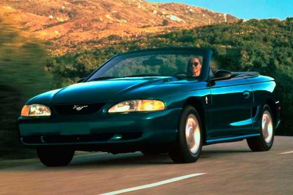 Ficha técnica completa do Ford Mustang GT Conversível 5.0 V8 1995