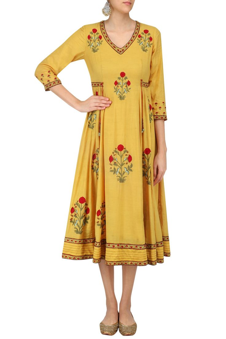 Mustard embroidered samode tunic available only at Pernia's Pop Up Shop.
