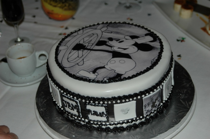 Steamboat Willie cake 1 | Cake ideas | Pinterest | Disney ...