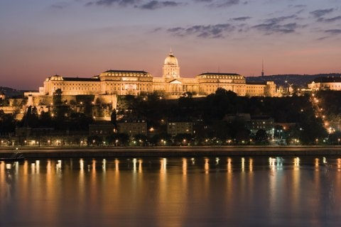 Google képkeresési találat: http://www.budapestiszallodak.hu/images/Budapest/city/7.jpg