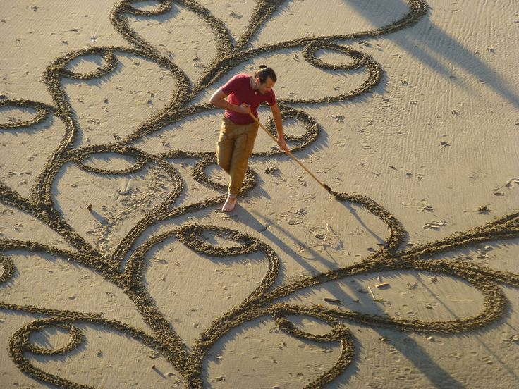 Aerials of the amazing art of 'playa painter' Andres Amador