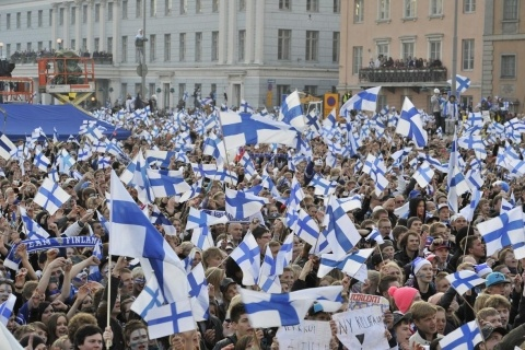 Suomi! Finns celebrate in Helsinki after Finland wins World Championship in Ice Hockey! (2011)
