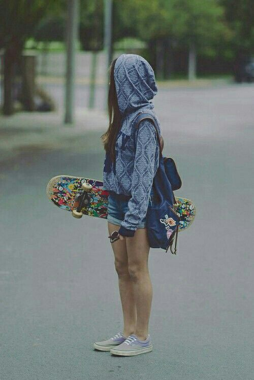 Skylar + skateboarding = love.