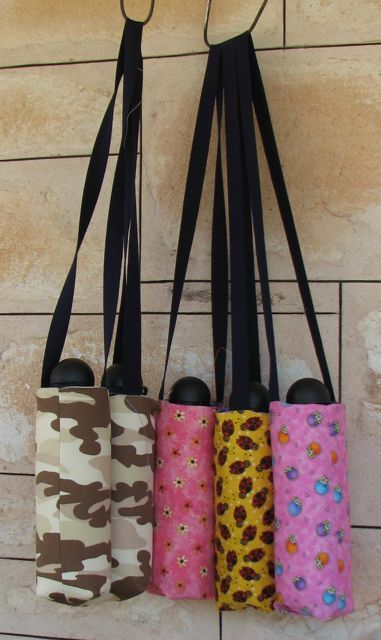 Mad Quilter: The square base water bottle carrier tote - A tutorial