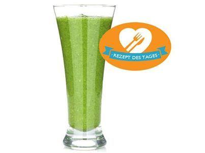 Mmmmh, wir starten mit einem veganen Mandel-Matcha-Shake in den Tag! Wollt ihr das Rezept? Dann schaut hier: