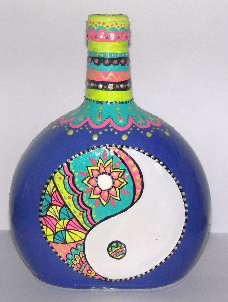 botella pintada a mano, $200 en https://ofeliafeliz.com.ar