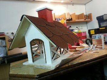 #Vogelhaus mit großen Schindeln. Für eine #Bauanleitung klickt auf das Bild.
