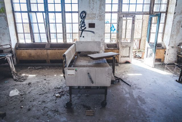 Abandoned-Childrens-Hospital-Seaview-Hospital-Staten-Island-NYC-005.jpg