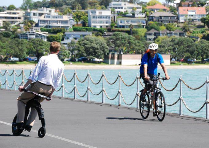 YikeBike, le vélo électrique pliant léger le plus compact au monde 1800€ d'occas.... design +++ mais pas top pour la campagne !