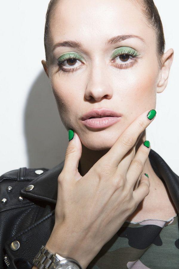 Тенденции макияжа весна-лето 2018 - яркие тени