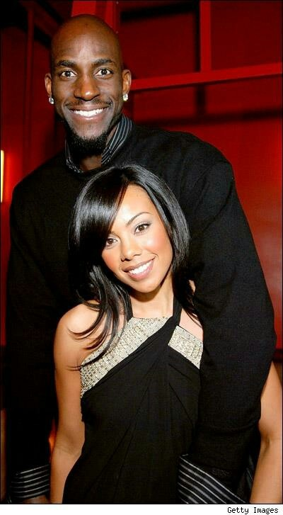 Kevin Garnett and wife.