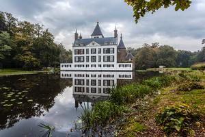 Kastelen,ruïnes,Doorwerth,Doornenburg,Muiderslot,Helmond,Hoensbroek,Middachten,Kasteel,Nederland