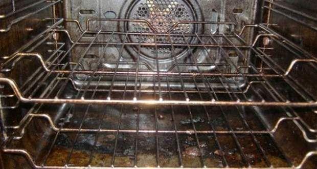 Κοινοποιήστε στο Facebook  Όσοι έχουν επιχειρήσει να καθαρίσουν τον φούρνο μιας κουζίνας, ξέρουν ότι είναι μια δύσκολη και κουραστική διαδικασία. Με αυτό το απλό διάλυμα που περιέχει μαγειρική σόδα, νερό και ξύδι, το καθάρισμα του φούρνου μπορεί να γίνει...