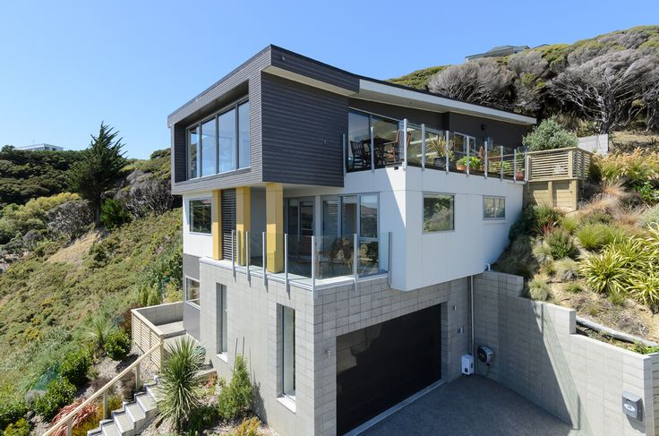 A beautiful stunning desiged by Aaron Humphreys from Intelligent Design #ADNZ #architecture #houses