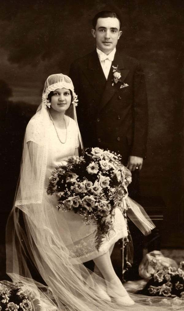 A bride and groom from the 1920s. Vintage Brides and