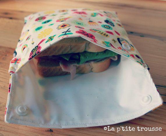 Réduisez votre empreinte écologique avec style avec cet ensemble de sac à sandwich et sac à collation réutilisables en coton à doublure