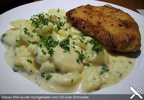 Großmutter's Rahmkartoffeln, ein raffiniertes Rezept aus der Kategorie Dünsten. Bewertungen: 66. Durchschnitt: Ø 4,1.