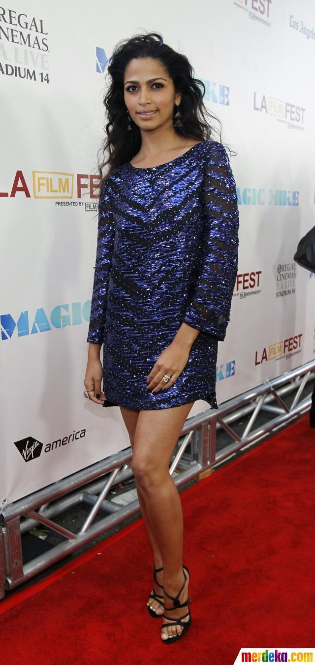 Model sekaligus istri Matthew McConaughey, Camila Alves hadir di pemutaran perdana film Magic Mike pada event Festival Film Los Angeles 2012.