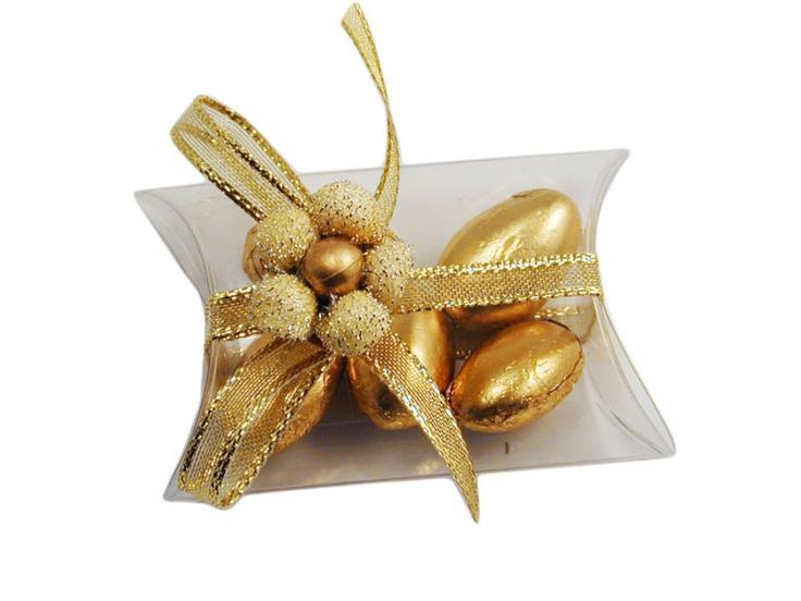 Bomboniera ideale per le nozze d'oro, completa di una bustina trasparente e confetti a scelta..