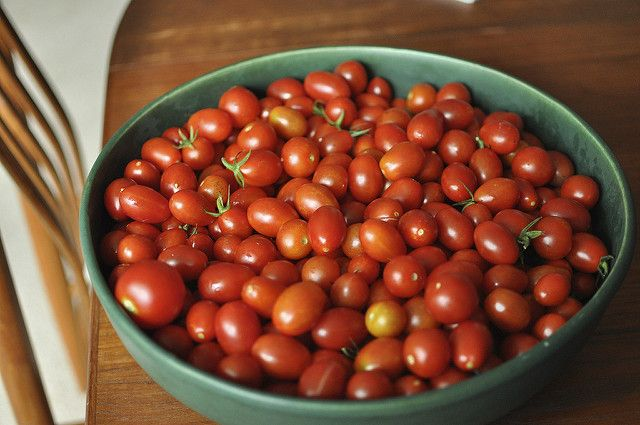 cherry tomatoes from Little Acre Homestead. 5 ways to preserve tiny tomatoes