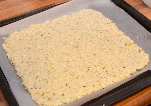 Oppskrift på sunn og proteinrik blomkål-pizza (Bakekona)