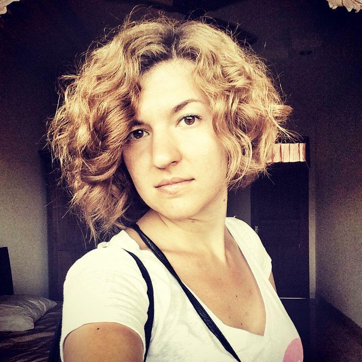 Evgeniya est une fleur qui s'est épanouie à Bali. Entre celle qu'elle était il y a encore quelques mois et la jeune femme d'aujourd'hui, il y a un monde. Et ce monde s'appelle Ubud. Désormais son quotidien, c'est « vivre ici et maintenant », un mantra qui lui va bien au teint. Good karma du mois ! http://www.lagazettedebali.info/journal/articles/portraits/good-karma/evgeniya-babina-apprendre-a-vivre-au-present.html?date=2015-02
