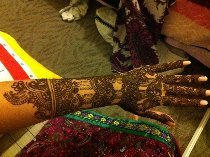 getting so obsessed with bridal henna/mehndi