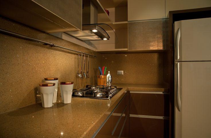 Cucina Laccata lucida con Top in Okite