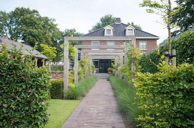 www.buytengewoon.nl landelijke-tuinen klassiek-landelijke-tuin-met-veranda-en-bergruimte-in-uddel.html