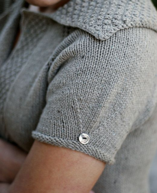 I love the sleeve detail..
