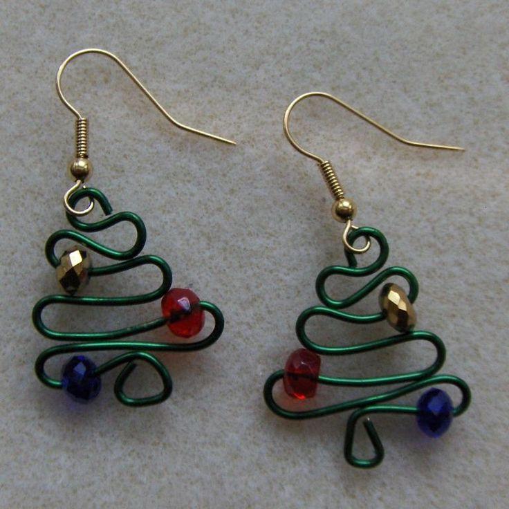 Christmas Tree Earrings | JewelryLessons.com