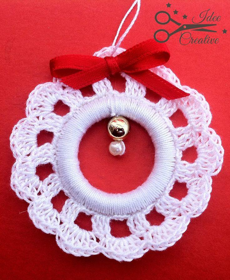 Addobbo natalizio bianco con fiocco rosso realizzato a mano all'uncinetto Per…