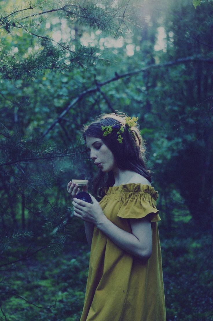 Magia natury | Pixie Cosmetics Minerals Love Botanicals Podkład do cery trądzikowej, zanieczyszvzającej się.
