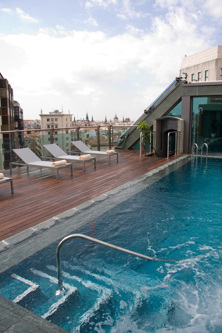 Piscina en la azotea. Hotel Santo Domingo. http://hotelsantodomingo.es/