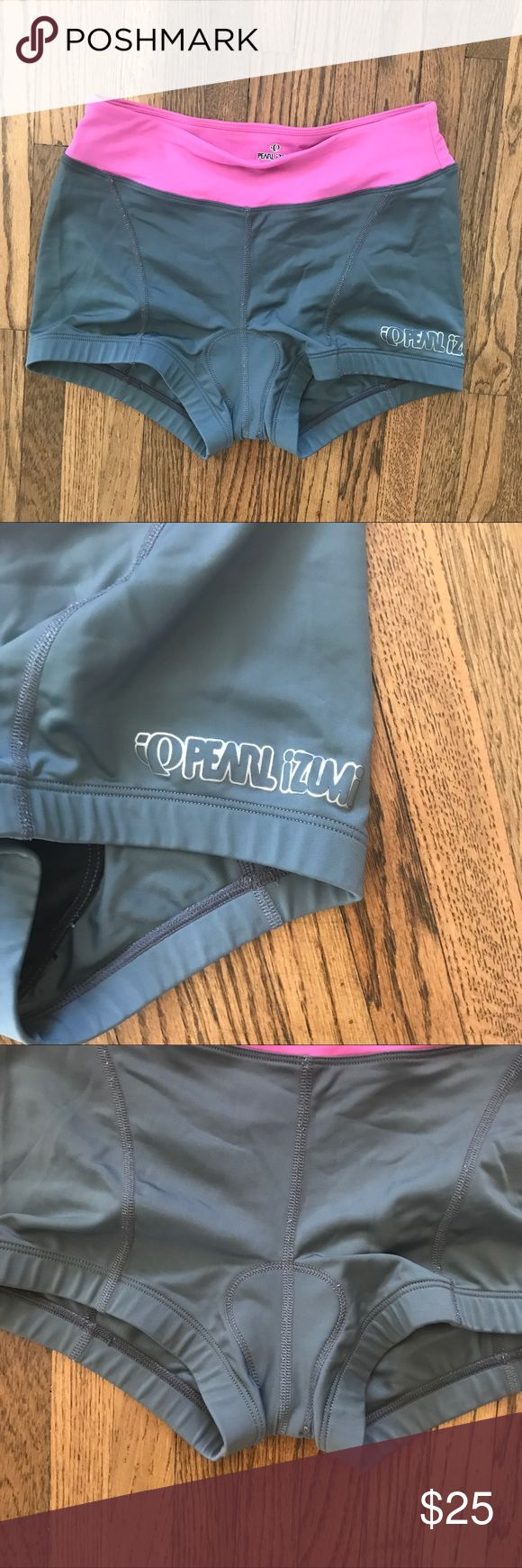 Triathlon shorts Pearl Izumi padded shorts for triathlons, cycling and spinning. Extra shorty length. Great condition. 🚫 no trades Pearl Izumi Shorts