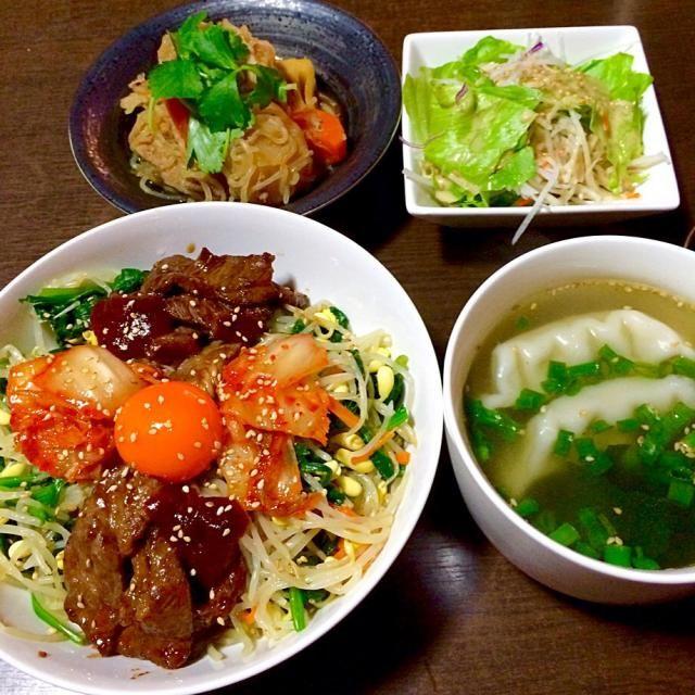 焼肉ビビンバ 水餃子とワカメの中華スープ たけのこ入り肉じゃが 生野菜サラダ - 17件のもぐもぐ - 野菜いっぱいビビンバの晩ごはん♪ by junchiko
