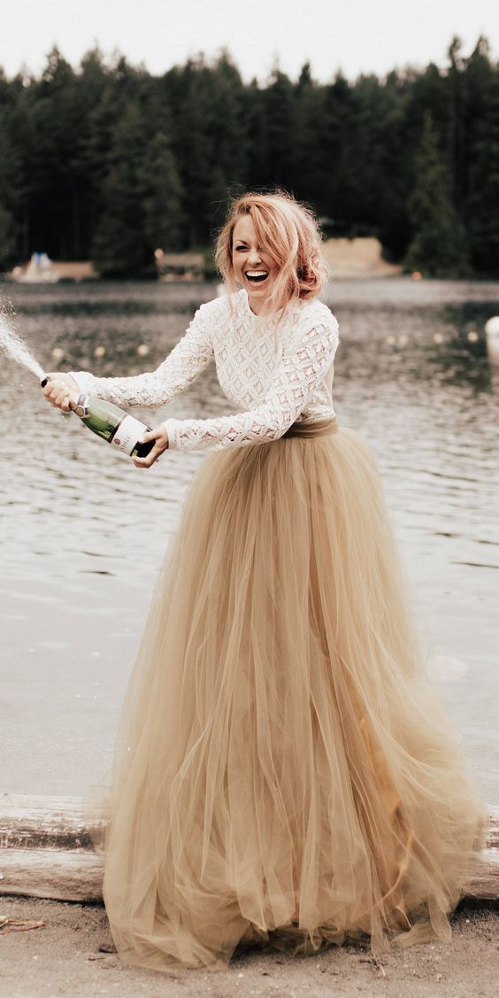 25 Edgy Bridal Separates, die inspirieren: A Rock + A Top; #Hochzeit; #Mode; #edg