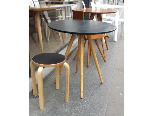 best sienne noir petite table de bistrot frene noir with table ronde cuisine but. Black Bedroom Furniture Sets. Home Design Ideas