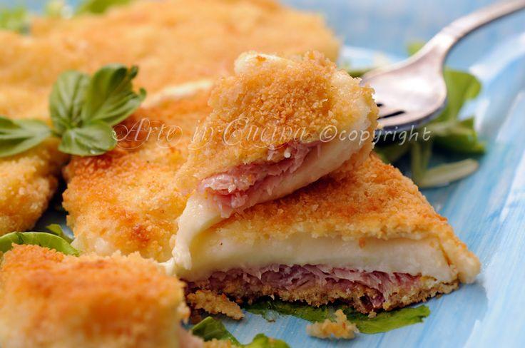 Giravolte prosciutto e mozzarella fatte in casa, cotolette di formaggio,